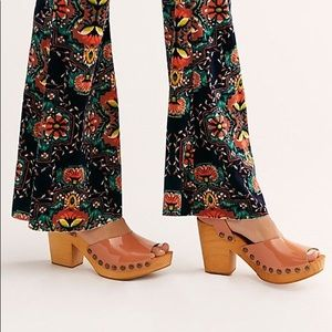 NWT Free People Pasadena Leather Clog Sandals
